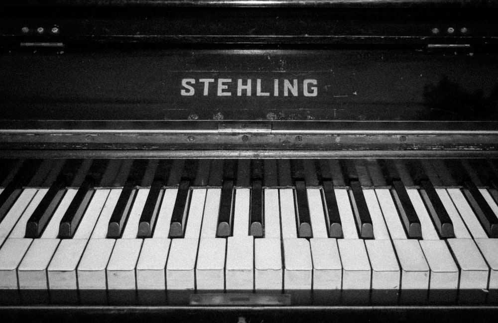 black Stehling piano