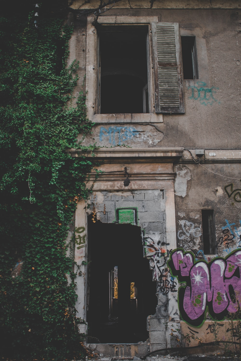 Abandoned Houses Pictures Download Free Images On Unsplash