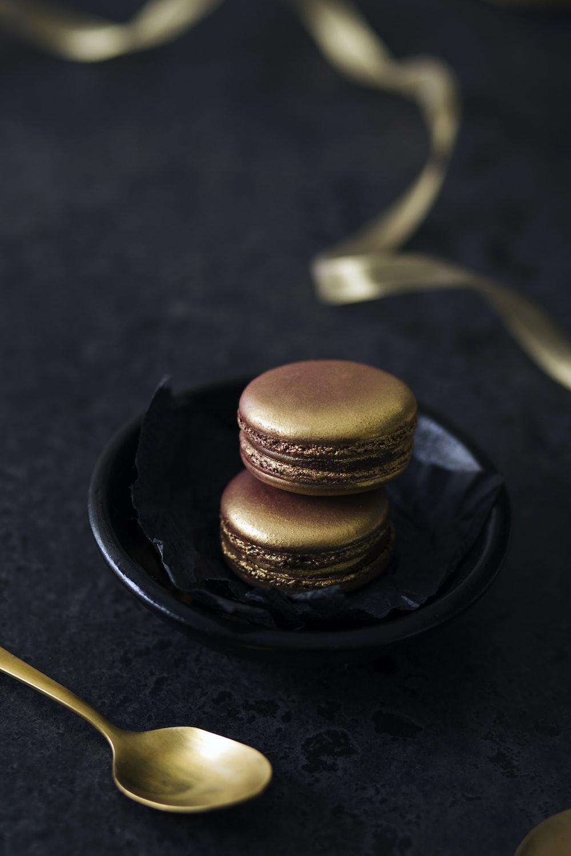 shallow focus photography of brown macarons