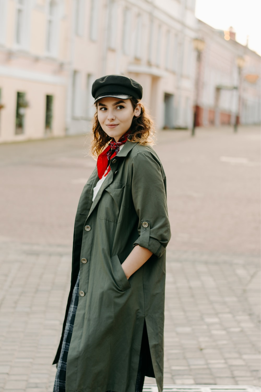 smiling woman posing outdoor