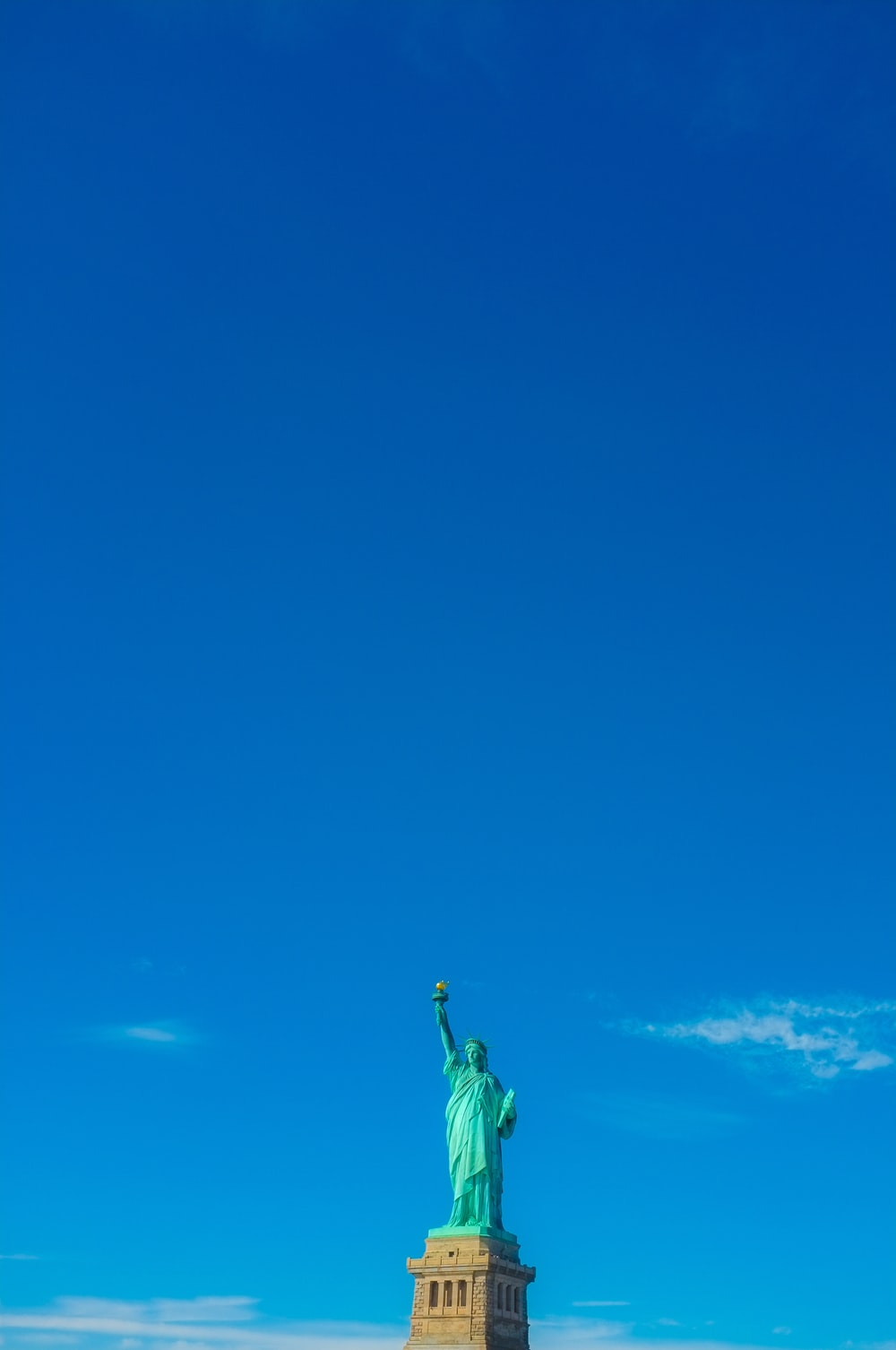 Statue of Liberty under clear blue sky