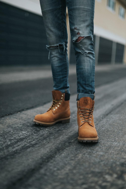man wearing brown work boots photo – Free Apparel Image on Unsplash
