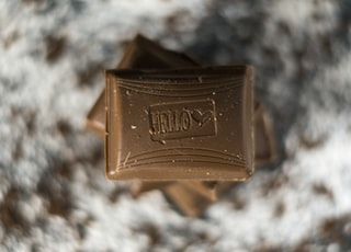 brown chocolate bars