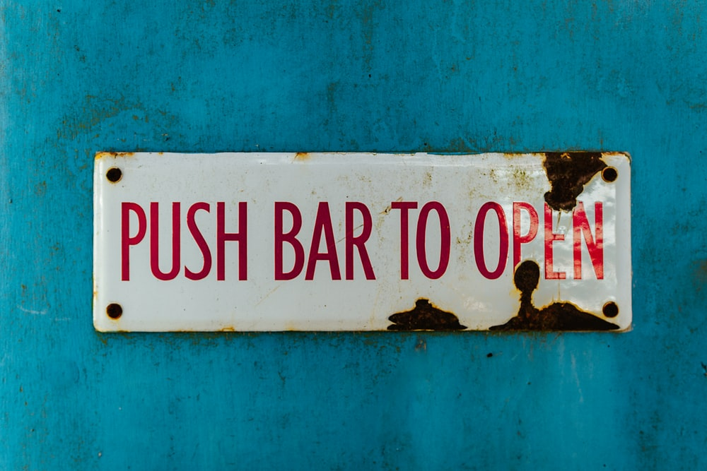 push bar to open signage