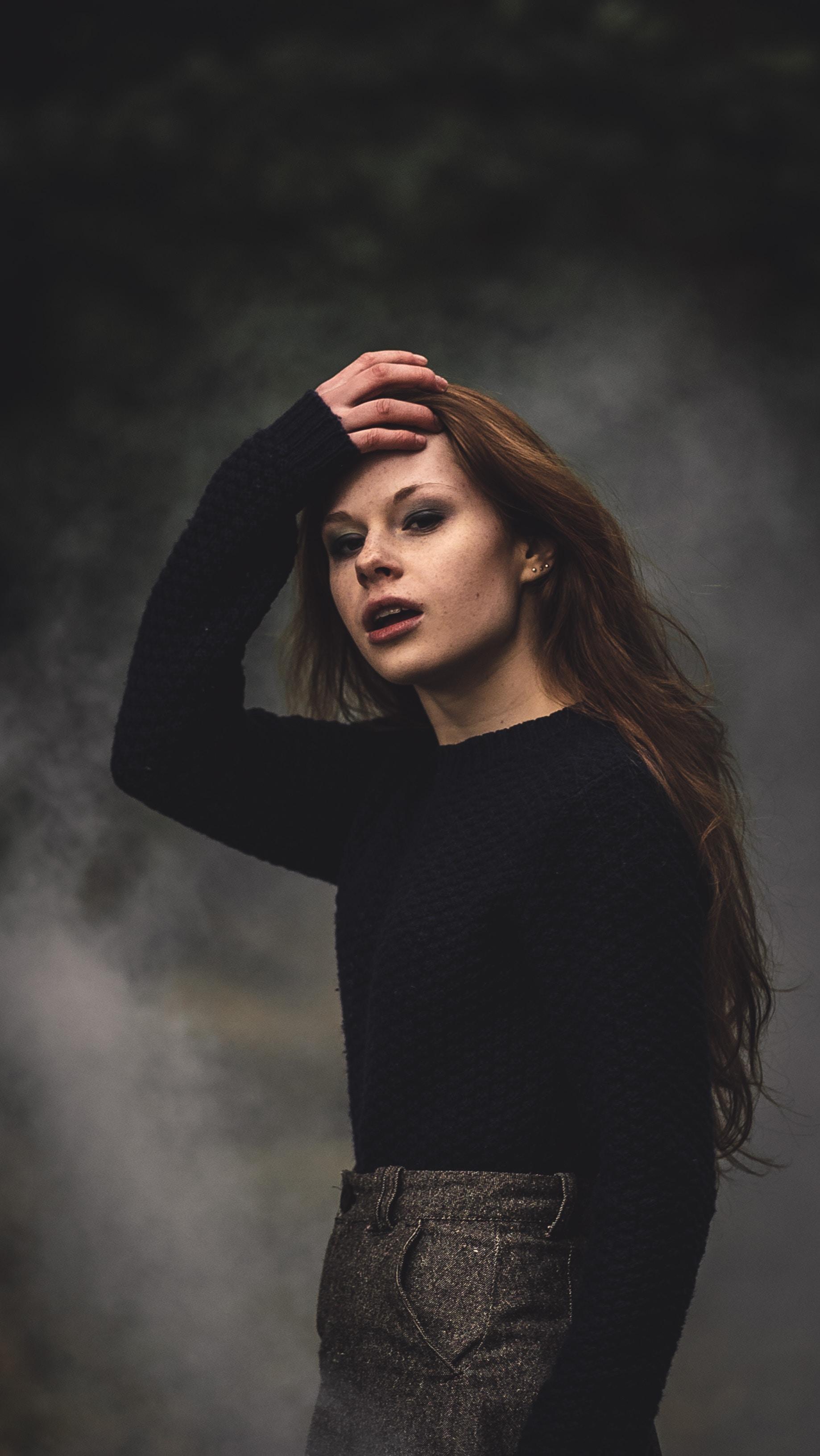 women's black long sleeve shirt