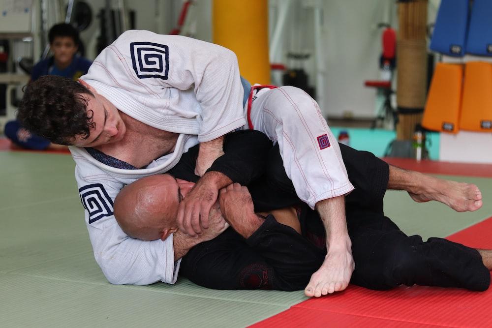 two men doing jiu jutsu