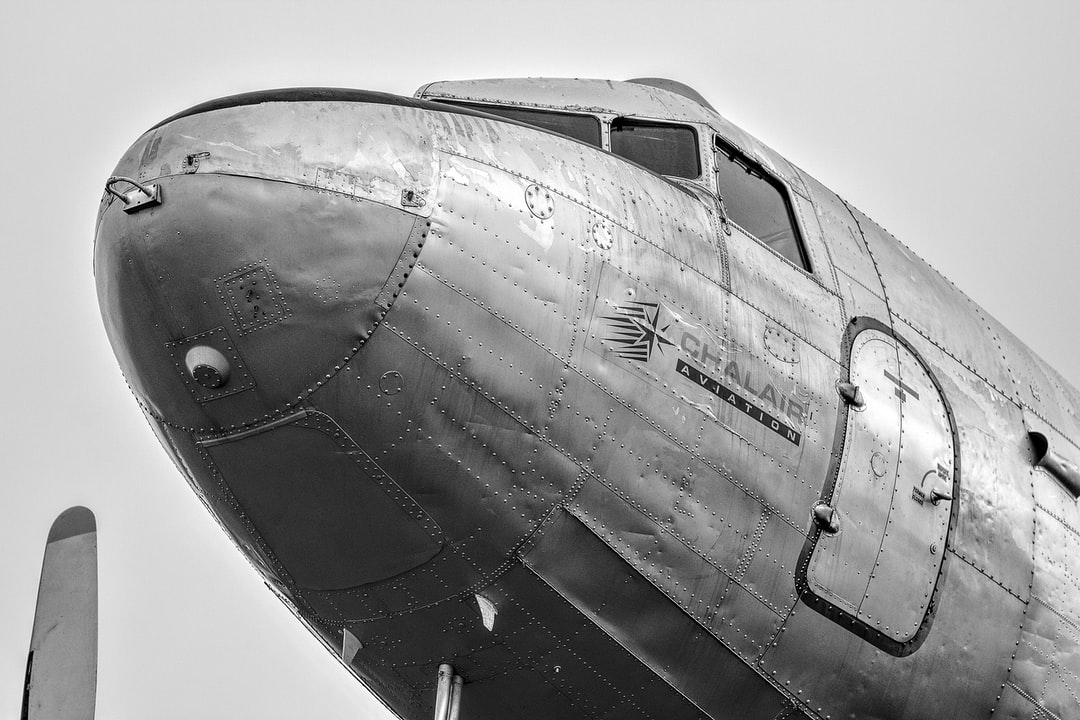 DC-3 Nose