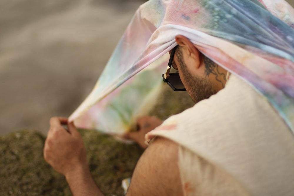 man wearing sunglasse
