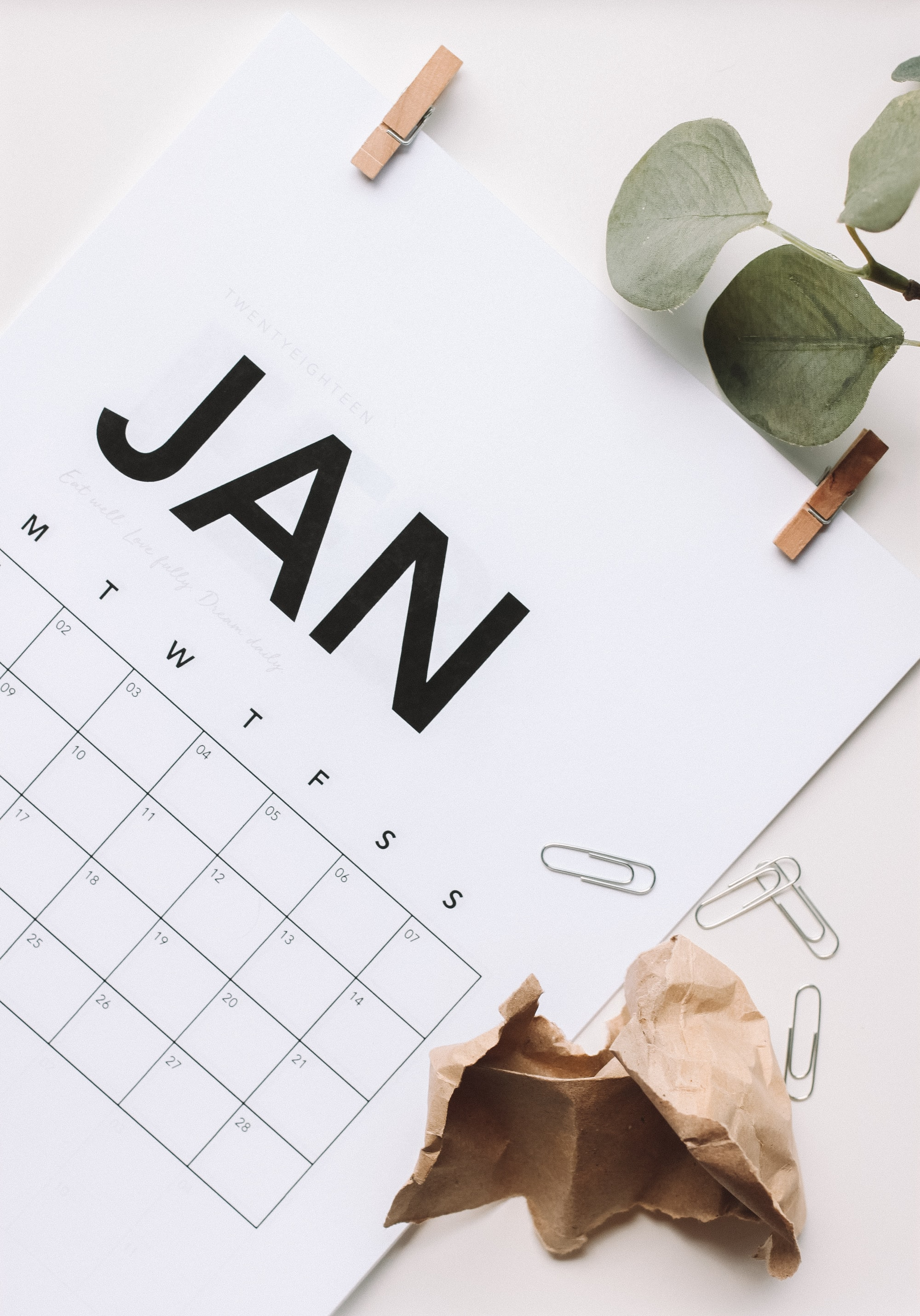 For 2018, I decided I wanted to create my own calendar. Something simple, but beautiful. Eye catching, and very minimal. I created it and loved it so much I shared it on my wellness blog, we can all get a little more organised with our lives don't you think?