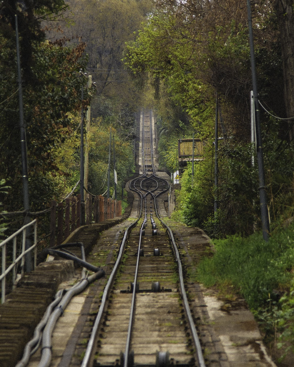 close-up photography of train tracks