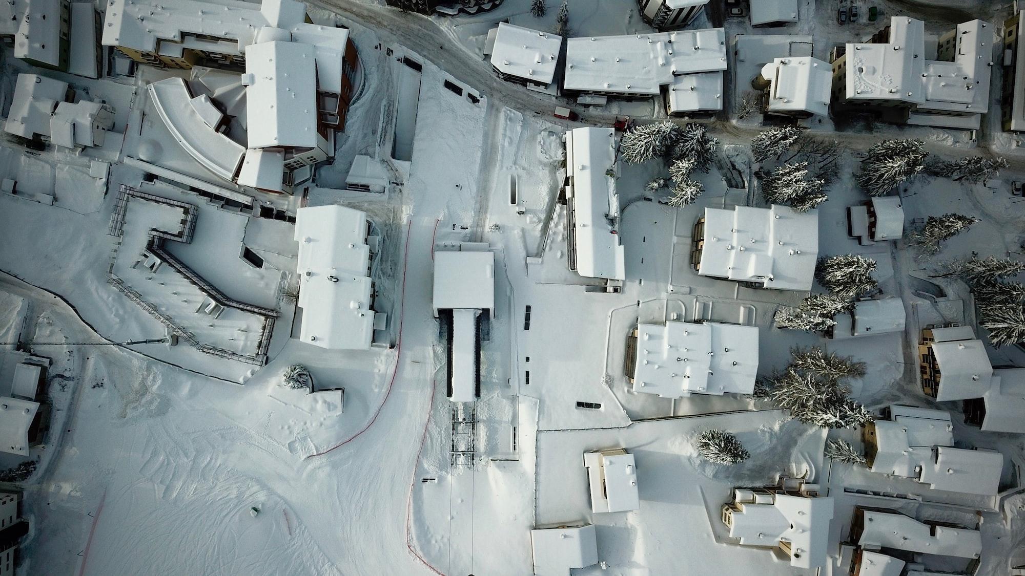 Hackerrank - Flatland Space Stations