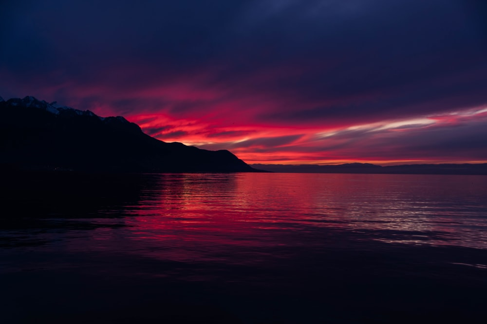 calm sea during sunset view