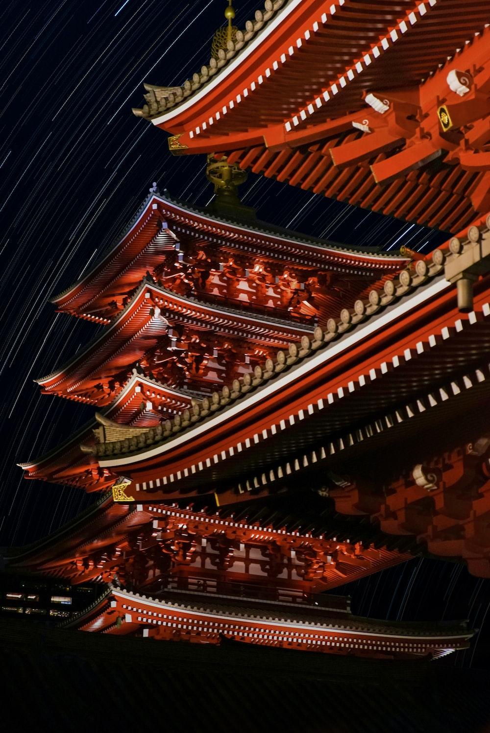 close-up photography of pagoda