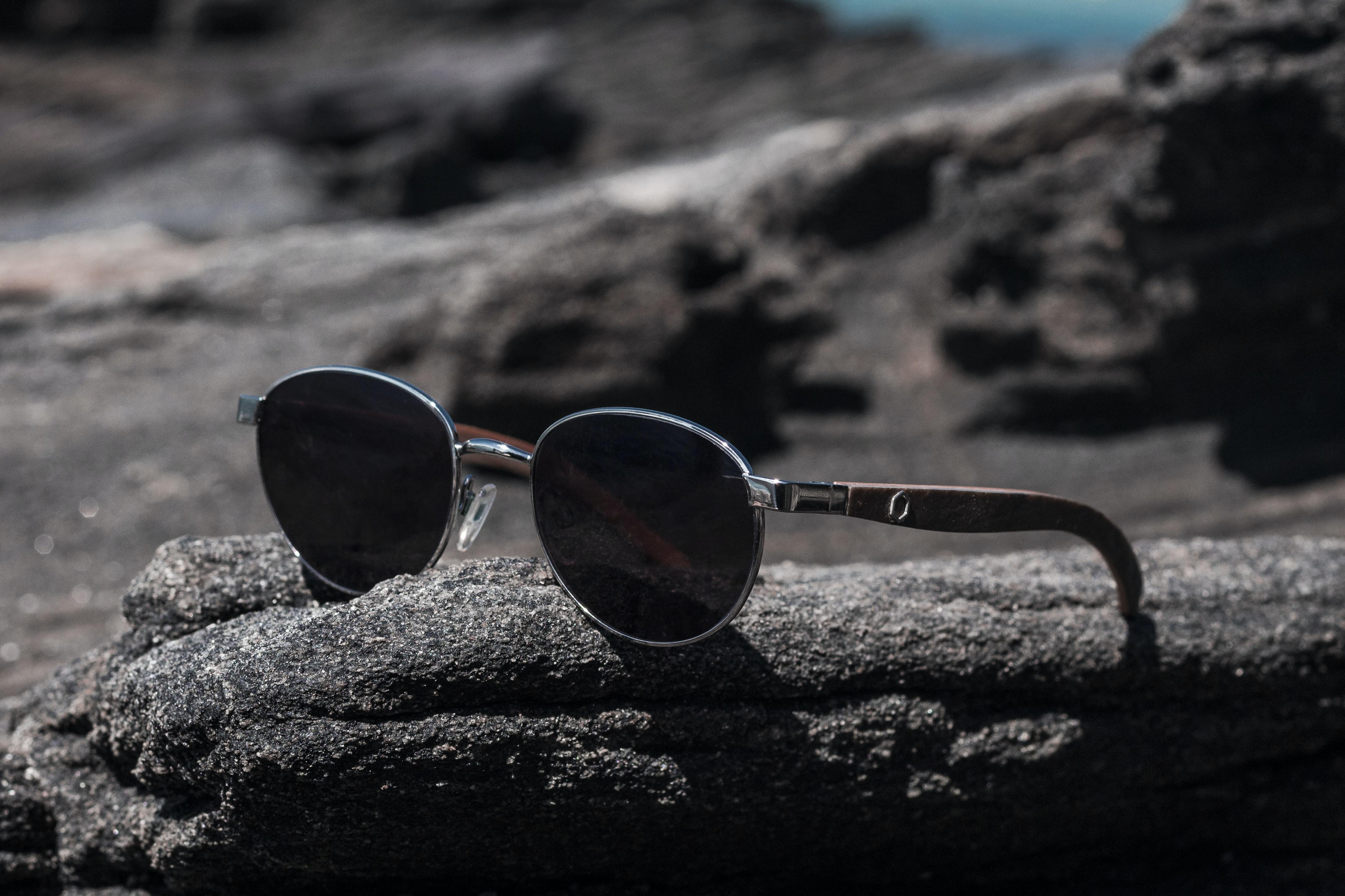 silver framed black lens aviator sunglasses