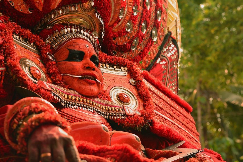hindu deity statue during daytime