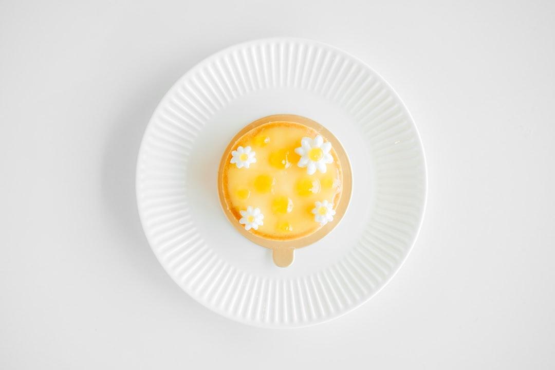 Lemon Tart with flowers