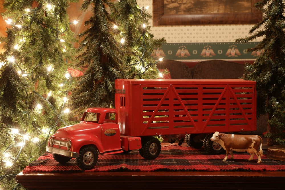red truck scale model