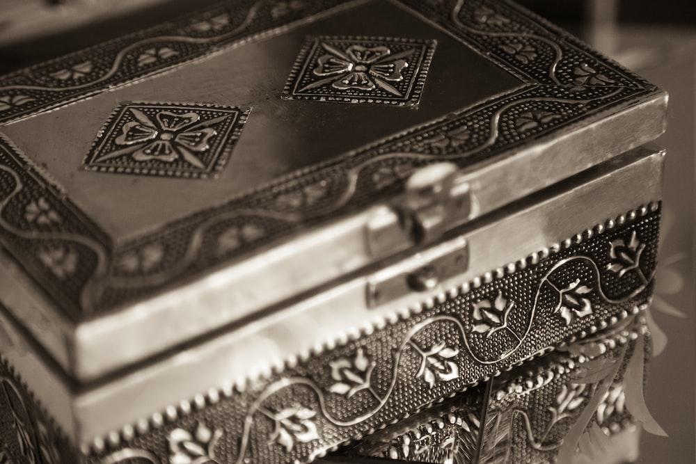 gray floral metal jewelry box