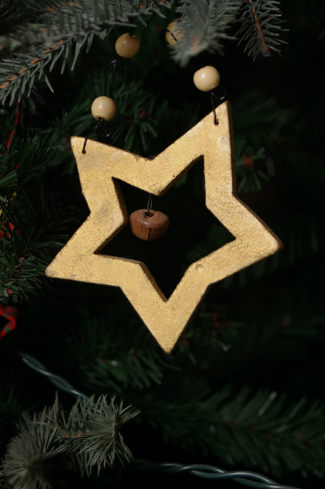 Scrappy Star Patchwork Pattern | 51 Simple Christmas Ornaments You Can Start Sewing Today