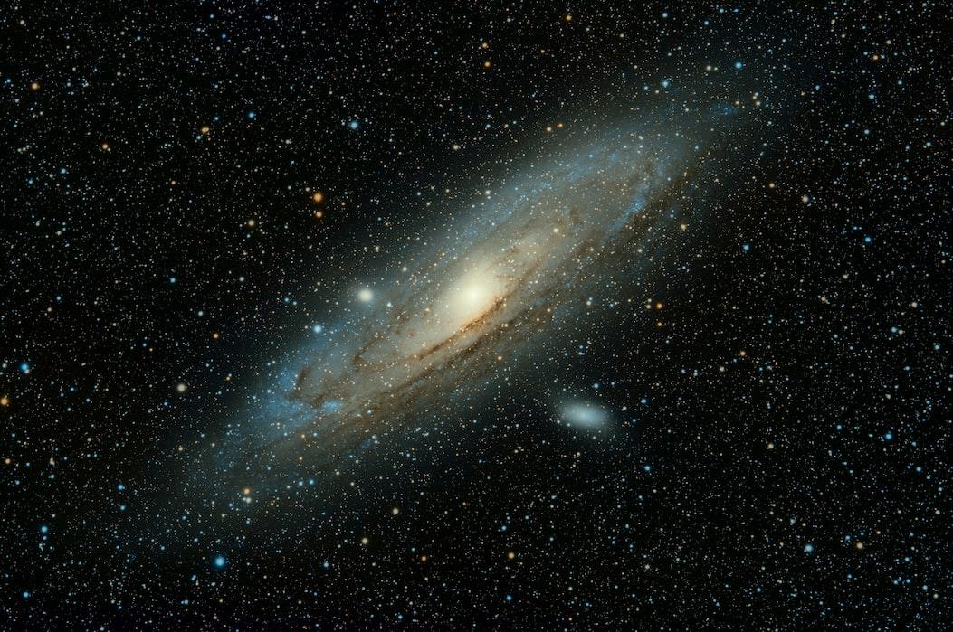 Звёздное небо и космос в картинках - Страница 6 Photo-1543722530-d2c3201371e7?ixlib=rb-1.2