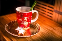 This is the time for relaxing, enjoying the cold weather from inside and feeding your soul with war coffee ans sweets :)