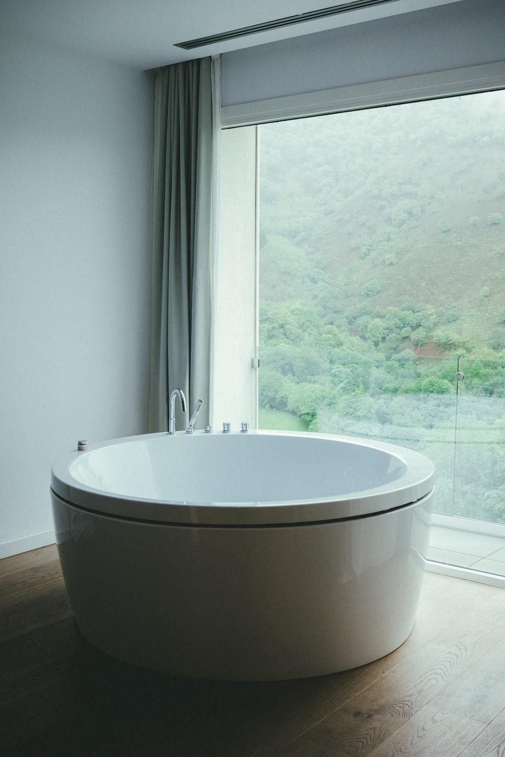 round white ceramic bathtub