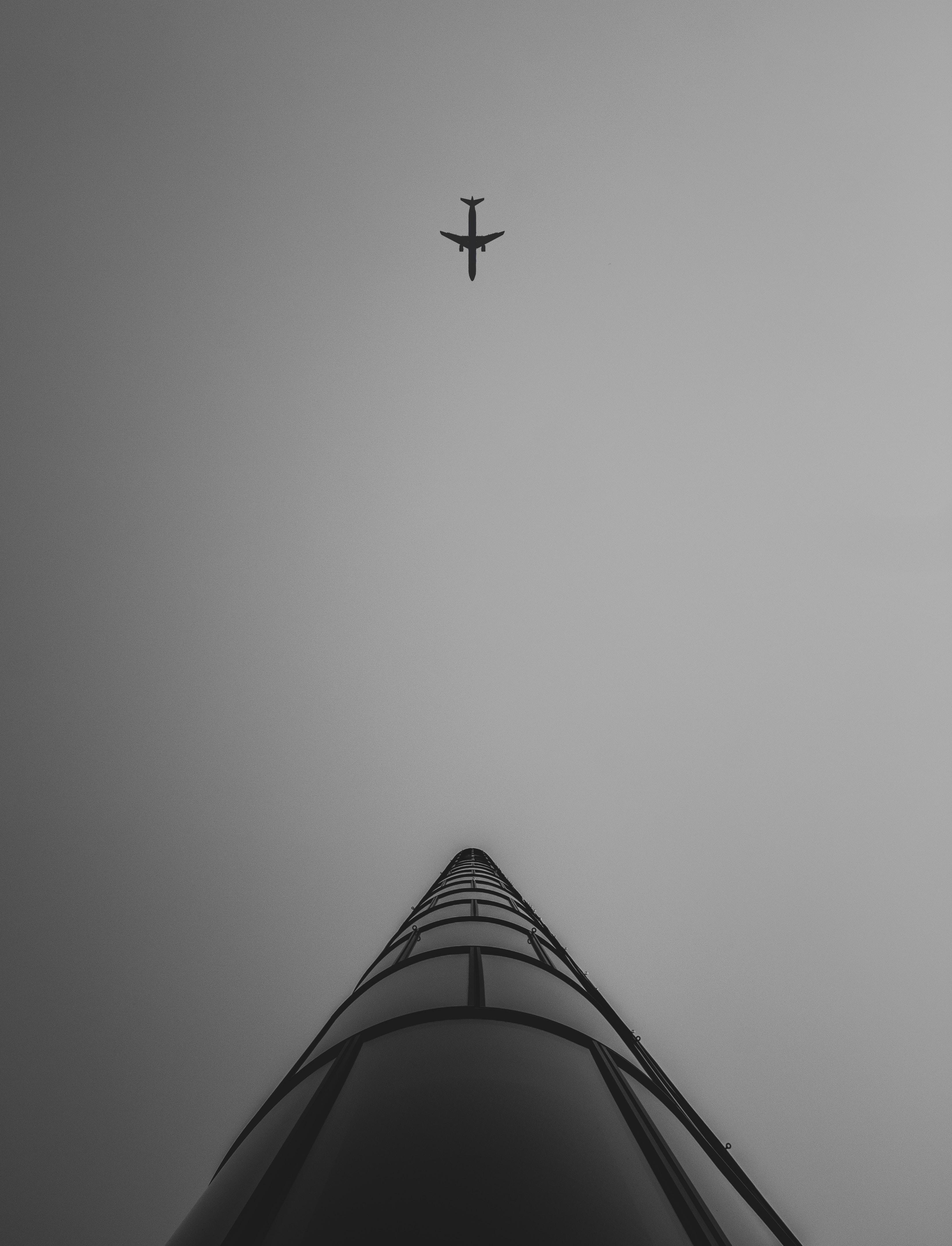 airliner in flight