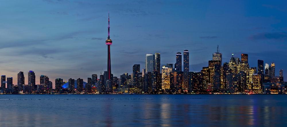 CN tower during daytime