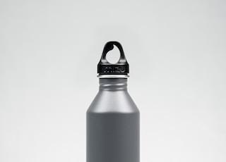 black Mizu stainless steel tumbler