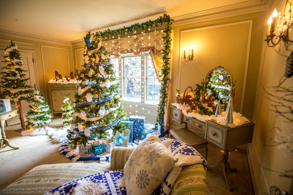 christmas tree and dressing table