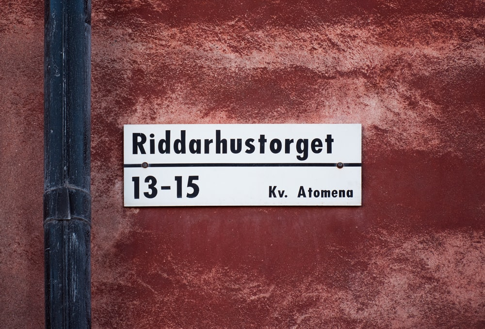 Riddarhustorget 13-15 signage