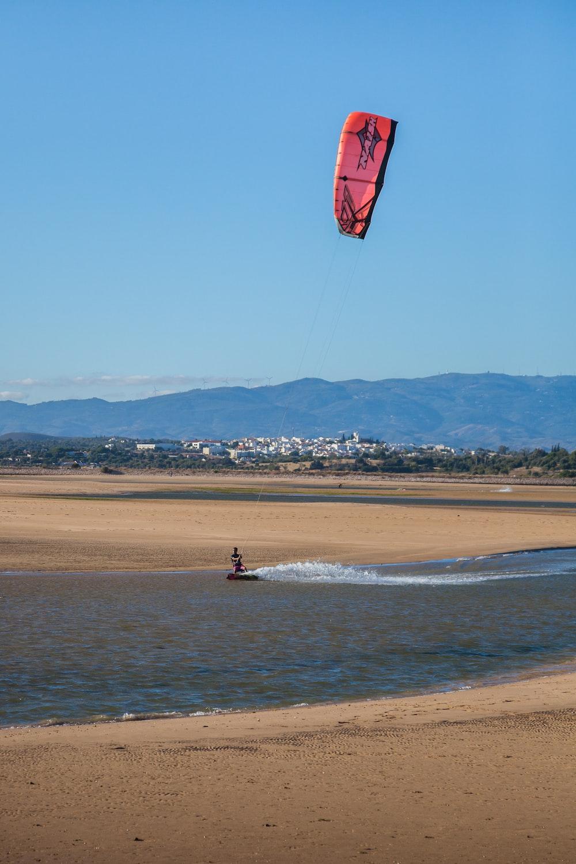 person doing parachute