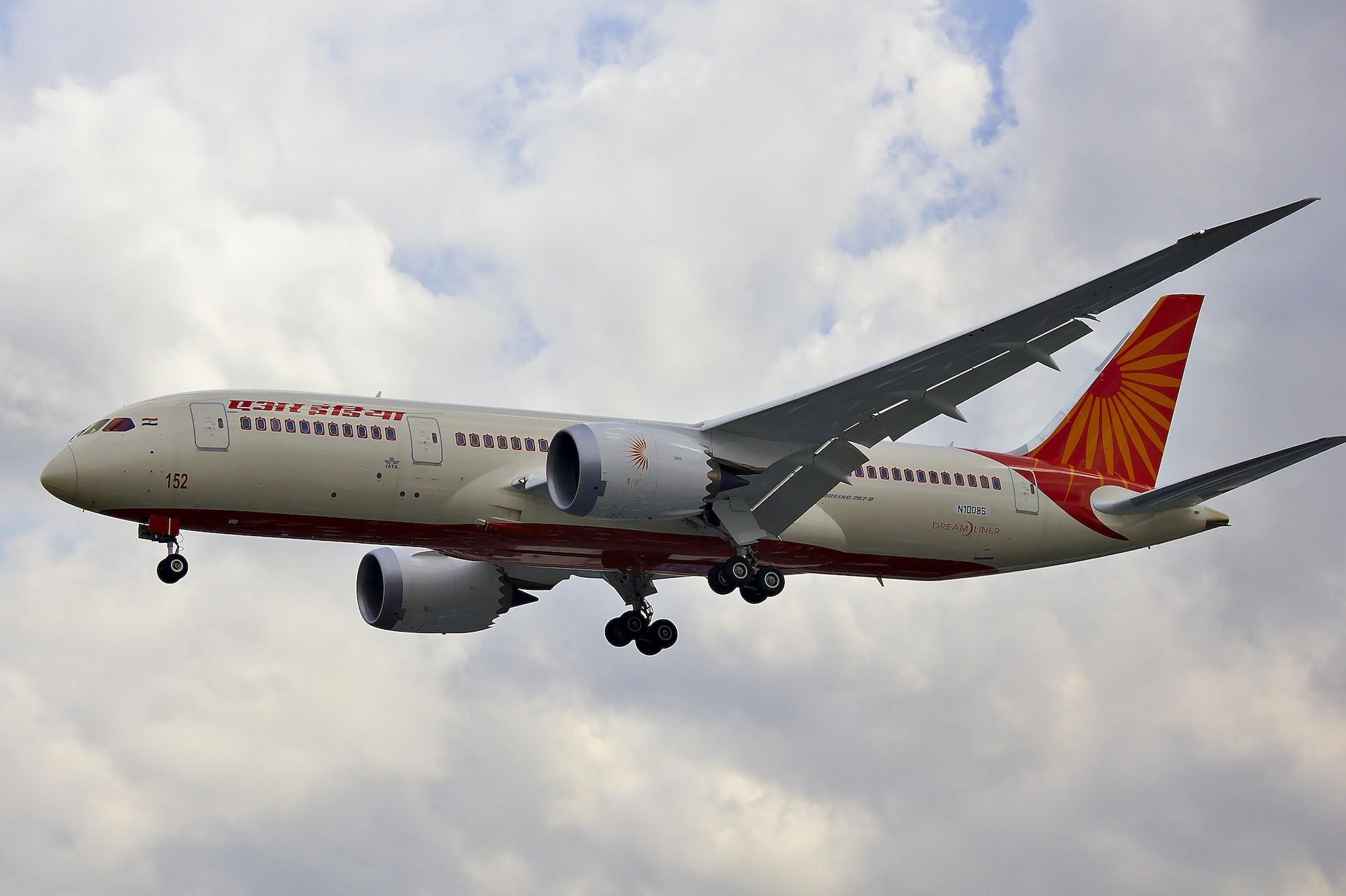 कनाडा ने भारतीय उड़ानों पर चल रहा प्रतिबंध पांचवी बार फिर आगे बढ़ाया