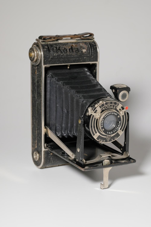 black Kodak twin reflex camera