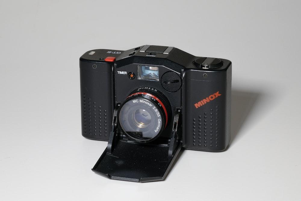 Digital camera vector clipart.