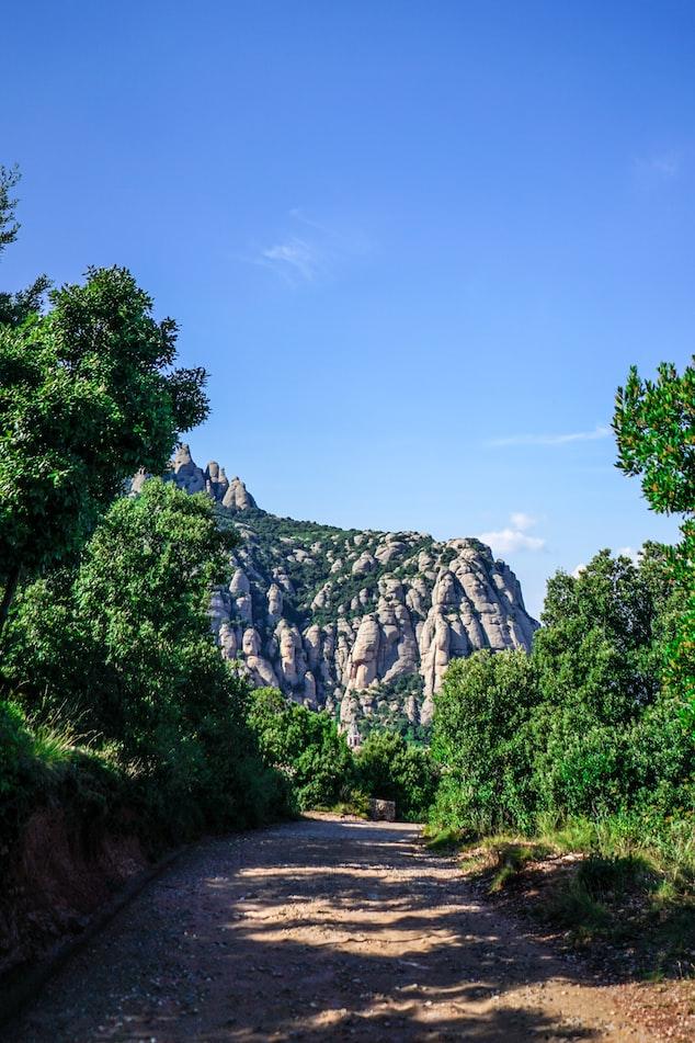 The Montserrat hiking path