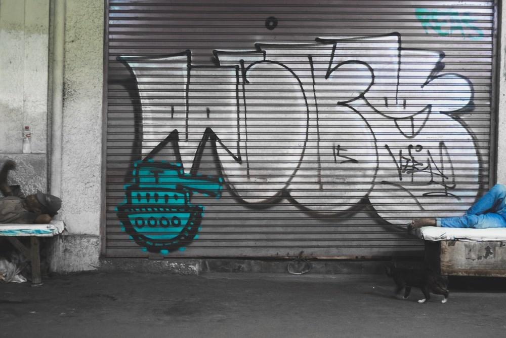 gray and black graffitti