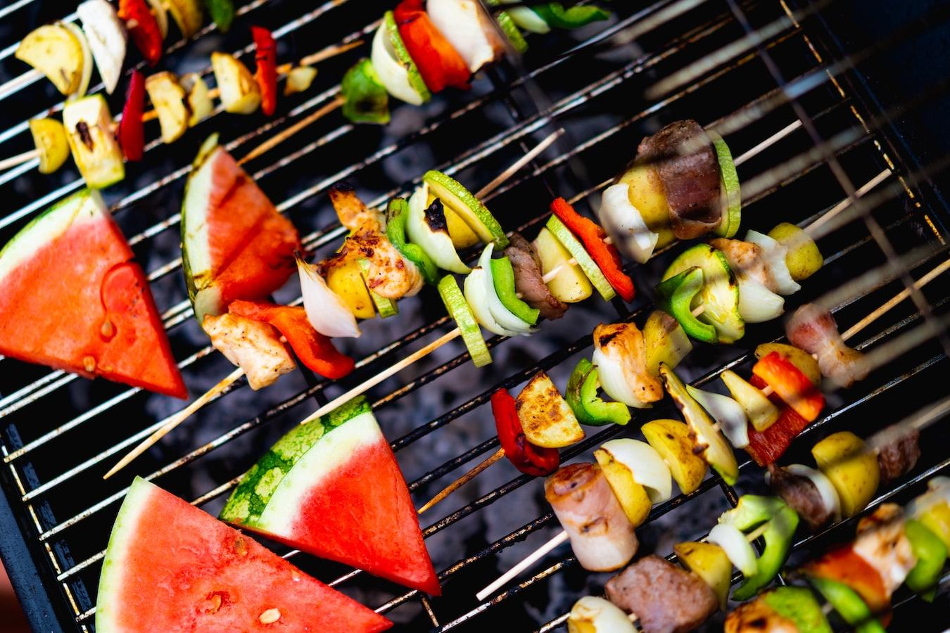 高血壓注意:烤肉醬一匙鹽分就超標!7種香草比調味料還棒 | Heho健康
