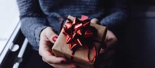 להשיב מתנה: השימוש הקליני בכתיבה על מטופל – סקירת מאמרו של סטיוארט איי. פייזר