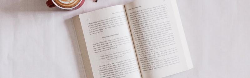 内田樹は数々の著書で知られる思想家・学者。彼の壮絶な生涯から思想まで徹底考察。