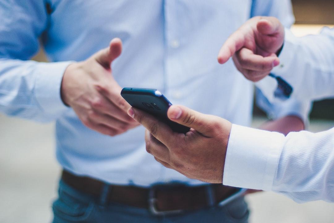 Jak nowe technologie wpływają na rozwój małych biznesów?