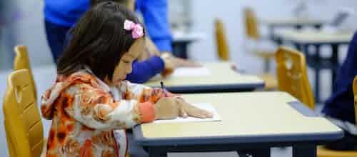 אמא ופאפא בדרך לבית הספר: כיצד יכולים ההורים והמורים לסייע לילדים ב 1 בספטמבר