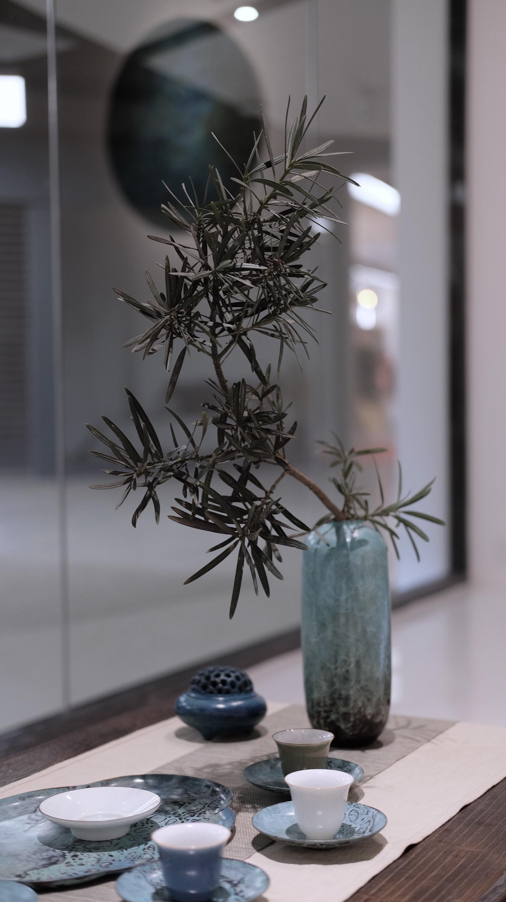 white and black flower decor