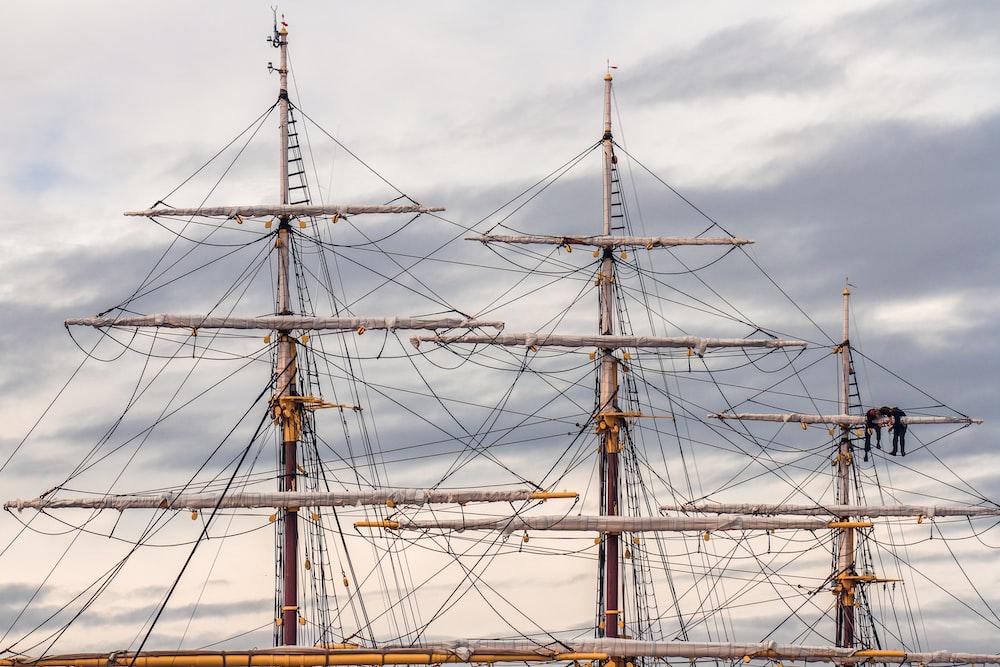 brown and gray flag ship