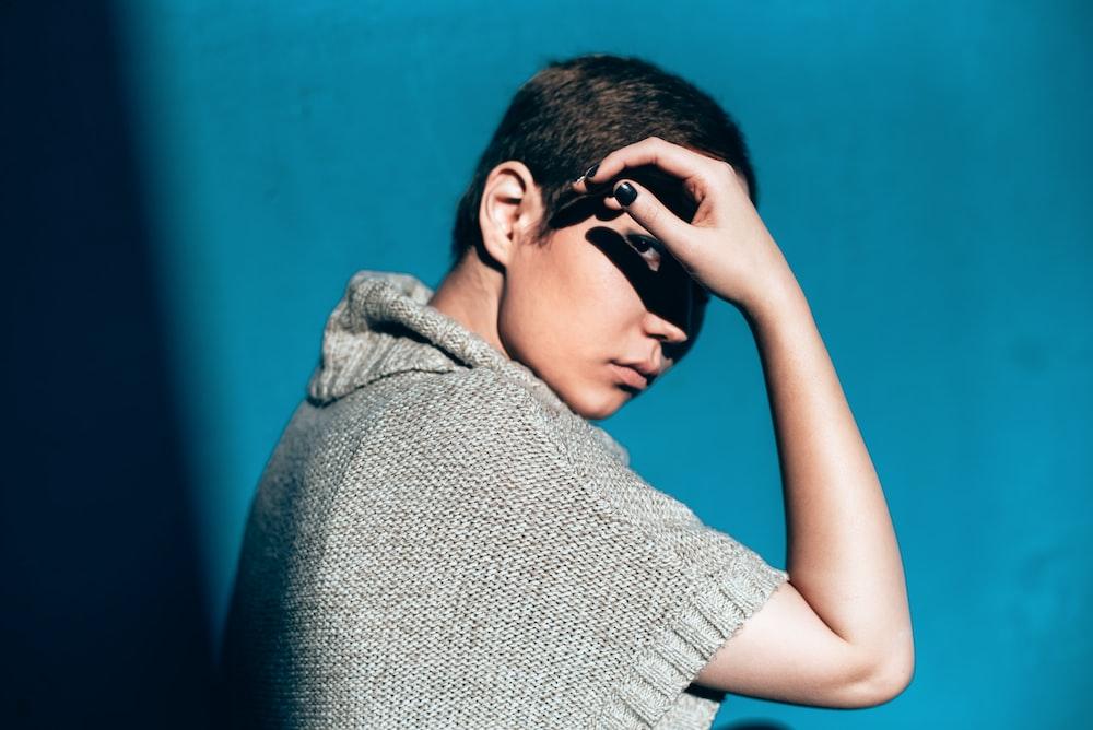 man gray knit top