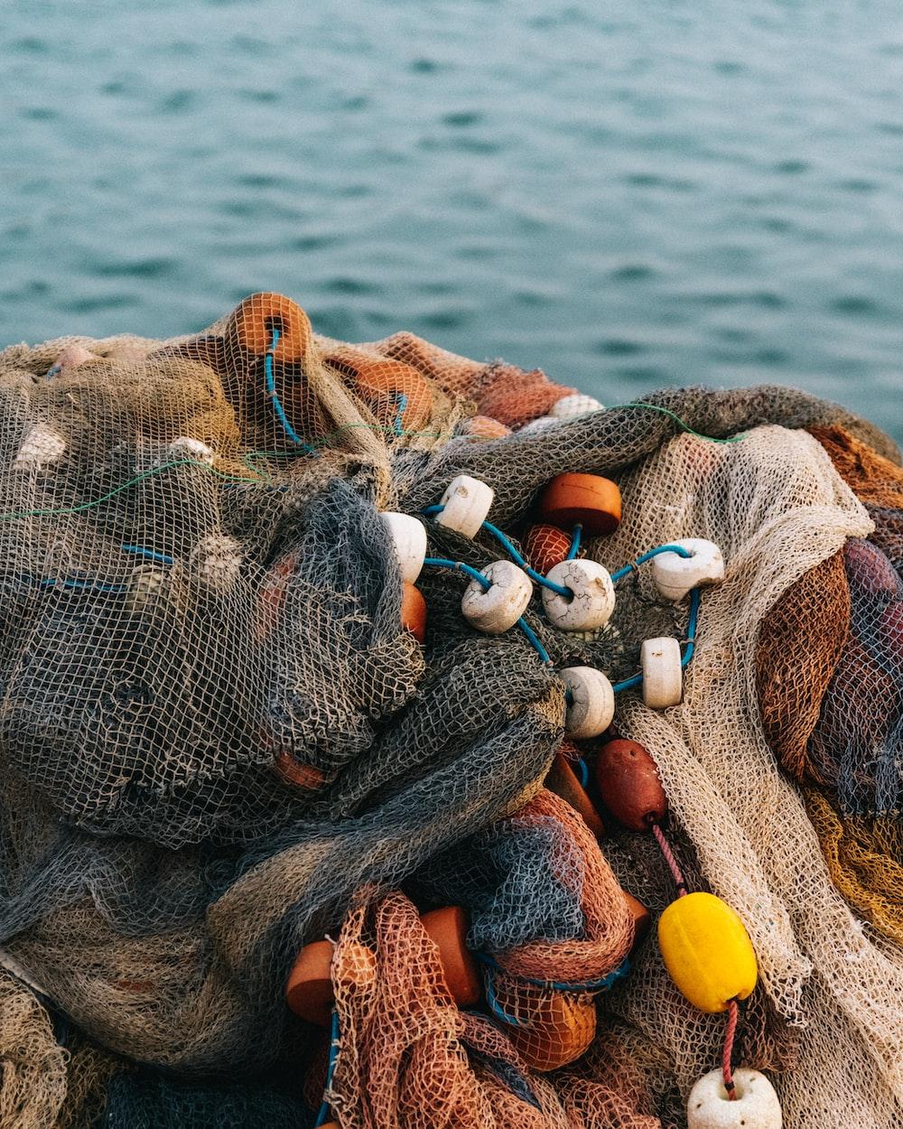 white and gray fish net