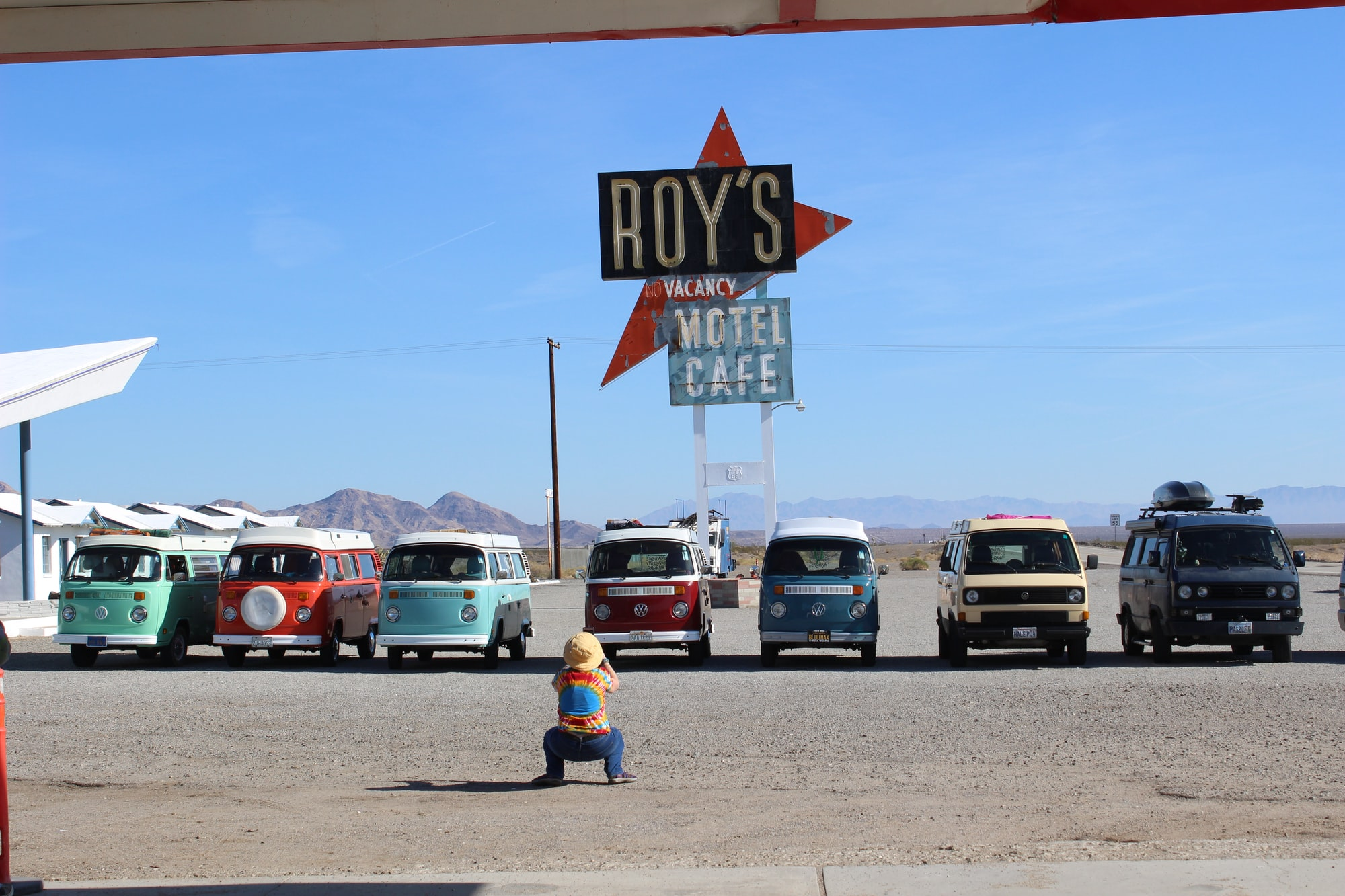 VW vans at Roy' gas station, road 66, California