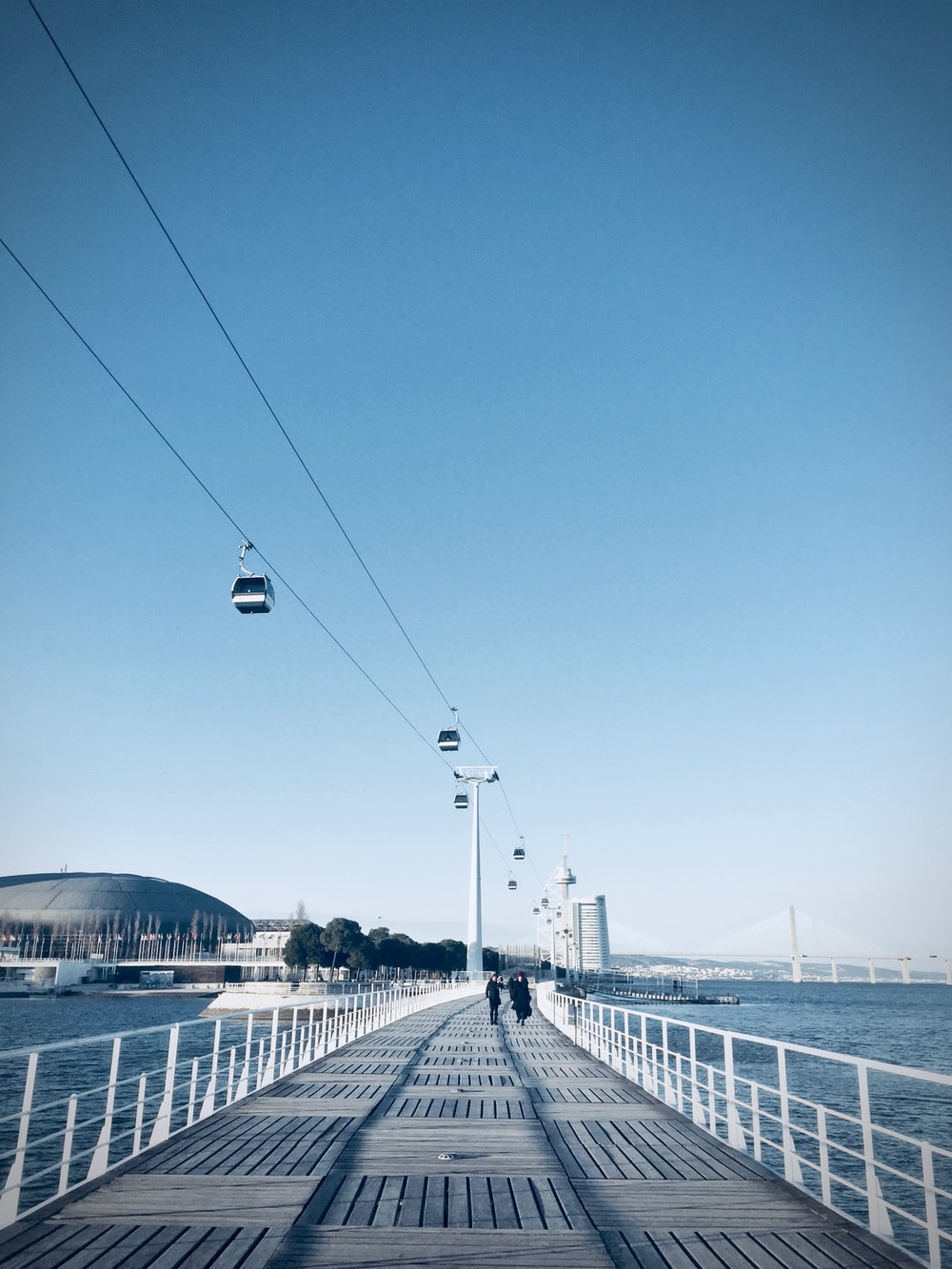 white cable cart