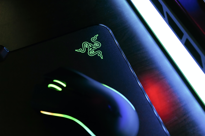 black mouse on black Razer mousepad