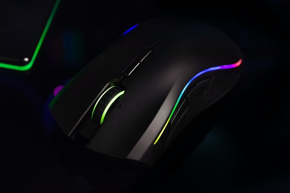 black gaming computer mouse